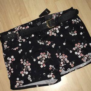 NWT Torrid Size 16 Sakura Shorts